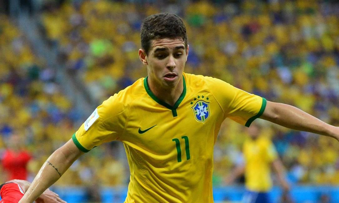 O meia Oscar foi o autor do único gol do Brasil no 7 a 1, e na época era jogador do Chelsea Foto: YURI CORTEZ / Agência O Globo