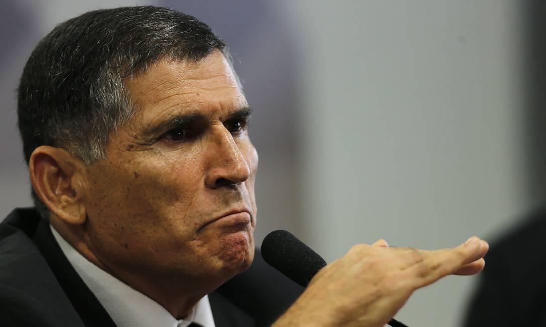 General Santos Cruz deixou o governo de Jair Bolsonaro em 2019 Foto: Jorge William / Agência O Globo (26/11/2019)