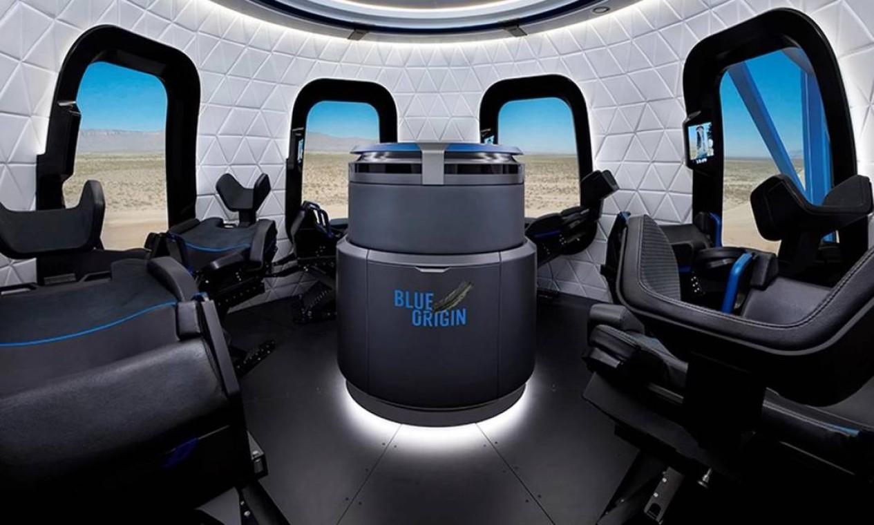 Interior da cápsula da empresa Blue Origin, de Jeff Bezos, uma das que participam da corrida pelo turismo espacial Foto: Divulgação
