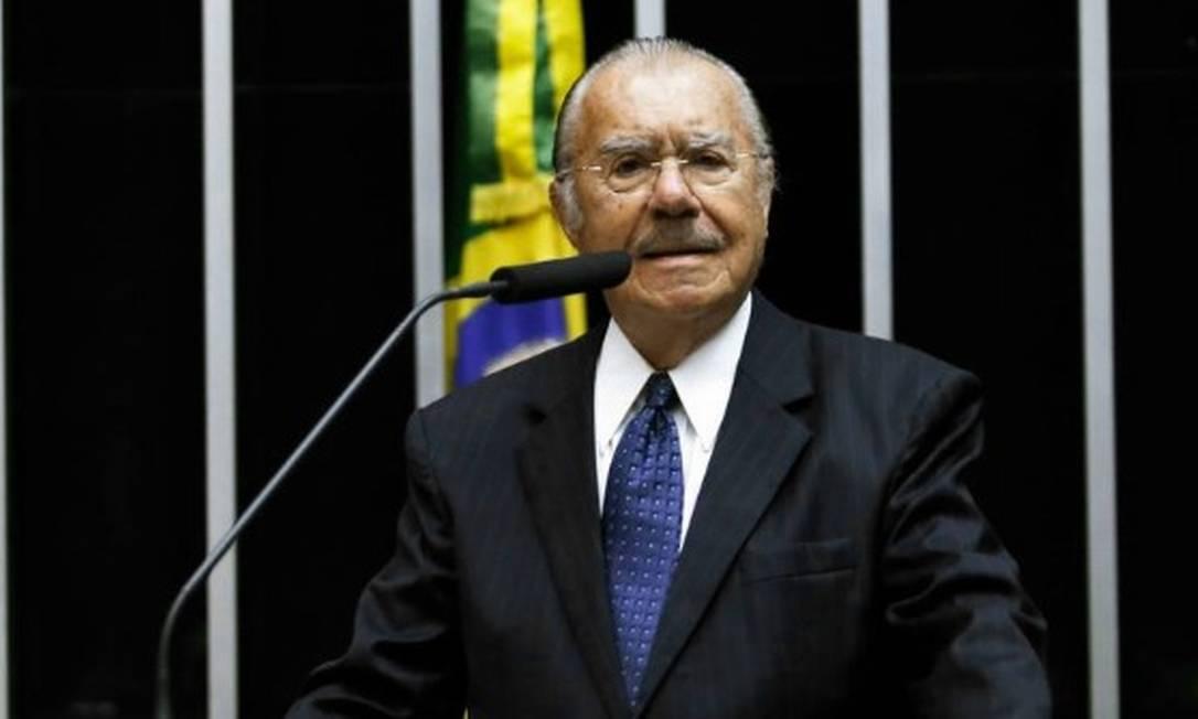 Sarney em homenagem na Câmara dos Deputados Foto: Jorge William / Agência O Globo