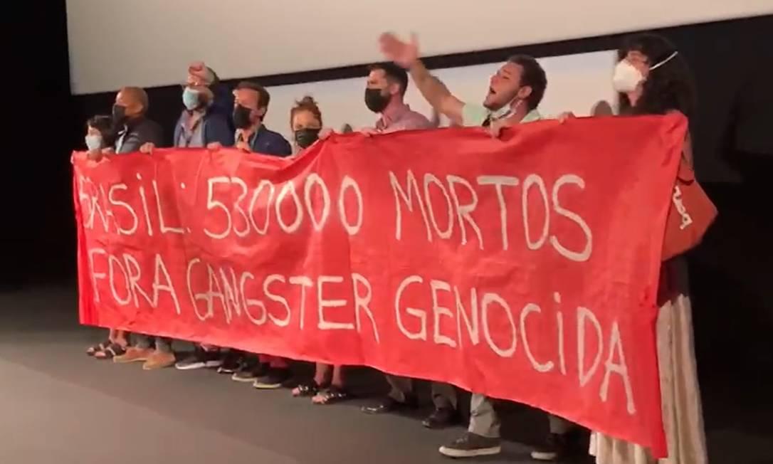 Protesto contra governo Bolsonaro no Festival de Cannes Foto: Reprodução