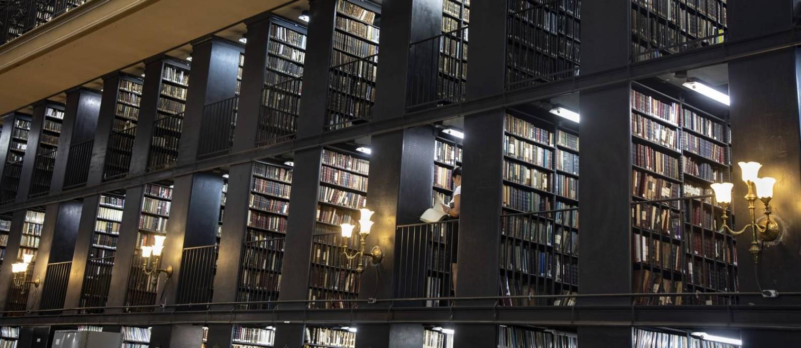 Biblioteca Nacional digitalizou menos de um quarto do seu acervo de 9 milhões de documentos Foto: Ana Branco / Agência O Globo