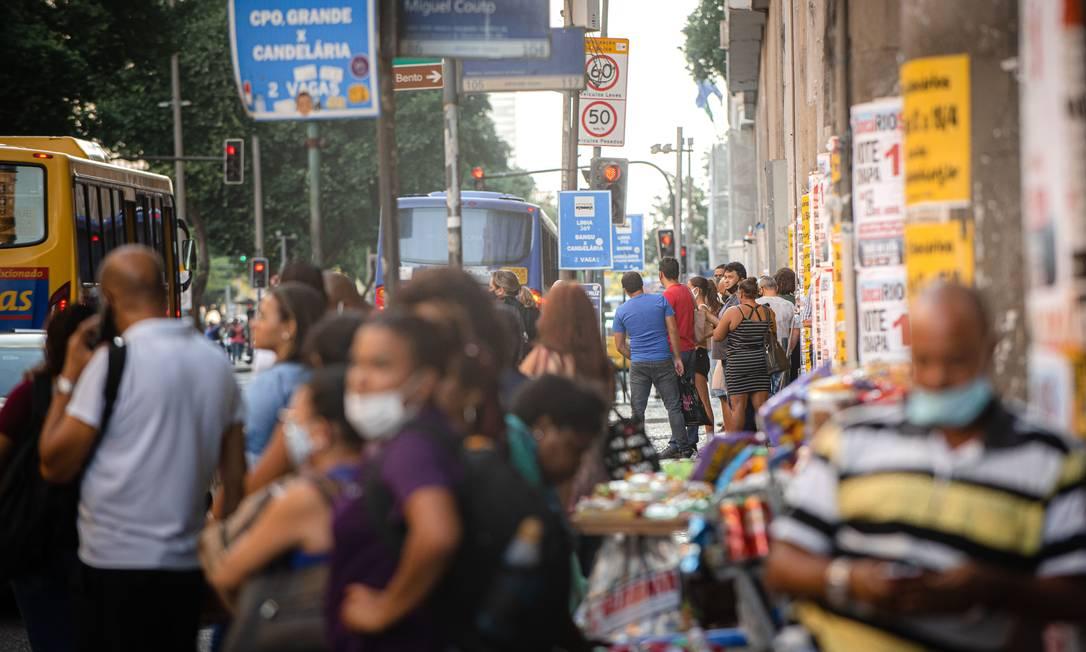 O Ministério da Economia está trabalhando em projetos para facilitar a chegada do crédito para pequenas empresas Foto: Daniela Segadilha/Zimel Press / Agência O Globo