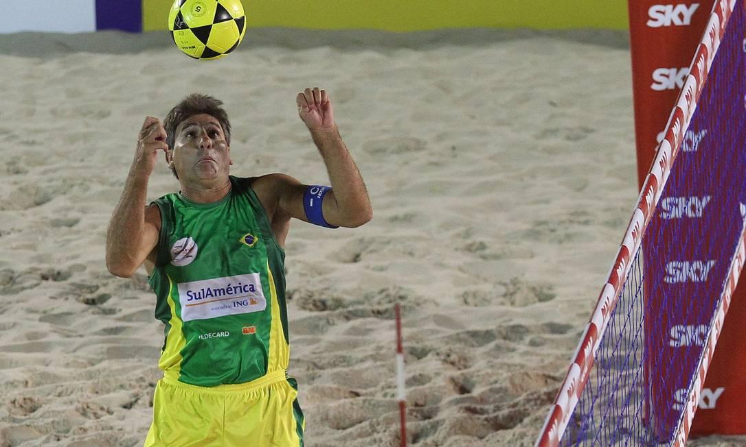 Renato Gaúcho jogou o Mundialito de Futevôlei 4x4, em 2013, realizado em Copacabana Foto: Divulgação
