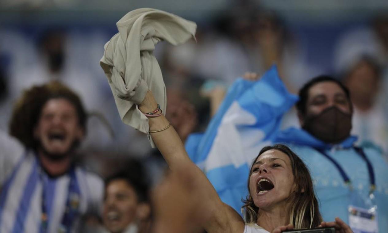 Foram distribuídos 4.400 convites, 2.200 para a CBF, 2.200 para a AFA Foto: Agência O Globo