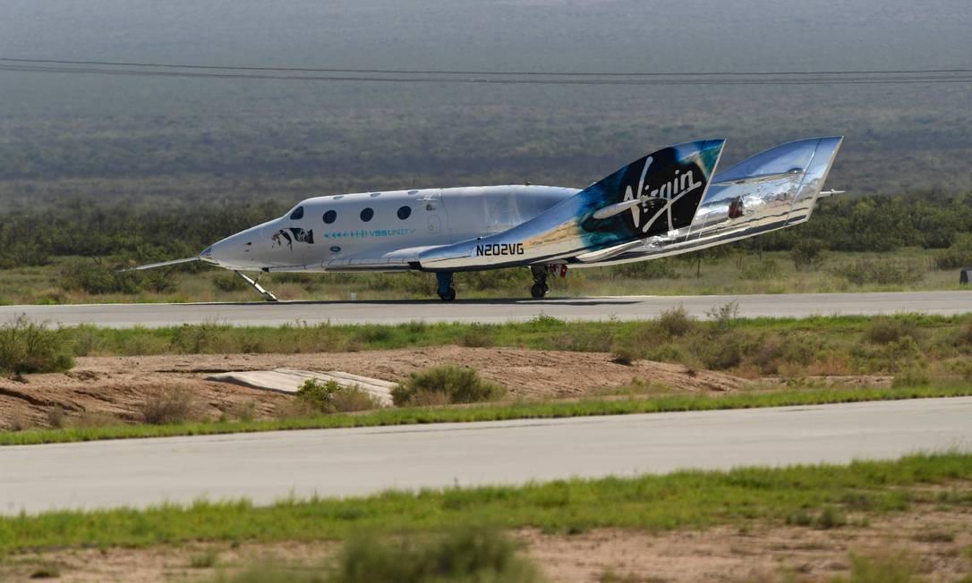 La nave espacial SpaceShipTwo ha regresado a la Tierra después del lanzamiento de la nave espacial VSS Unity al espacio Foto: PATRICK T. FALLON / AFP