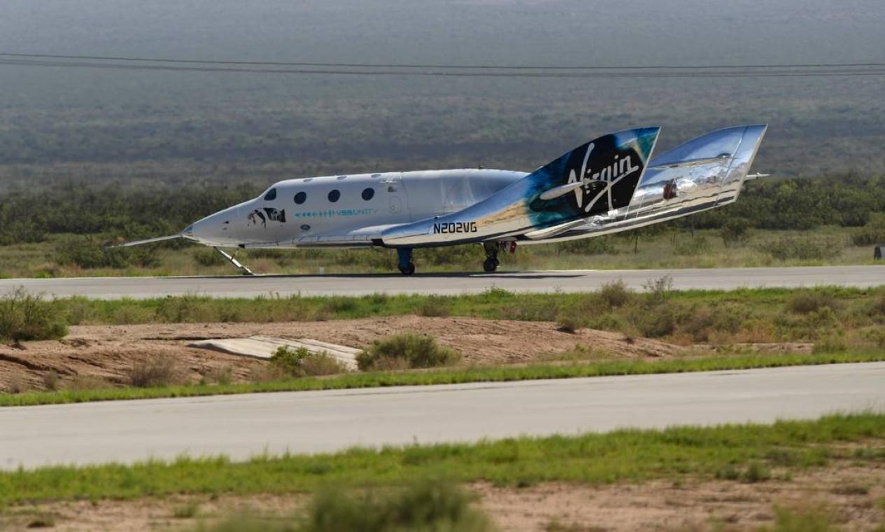O avião espacial SpaceShipTwo retornou à Terra após a nave VSS Unity ser liberada no espaço Foto: PATRICK T. FALLON / AFP