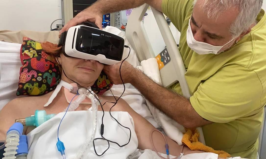 Instituto Rope realiza sonho de mulher com esclerose lateral amiotrófica a passear, virtualmente, de moto Foto: Divulgação / Instituto Rope