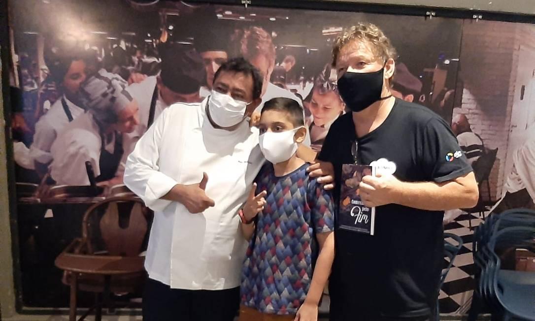 Instituto Rope realiza sonho de menino de 14 anos, com rins transplantados, de conhecer chef Claude Troisgros Foto: Divulgação / Instituto Rope