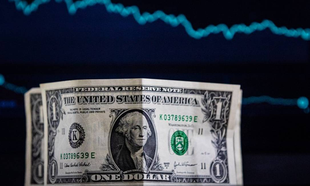 Dólar operava em alta ante o real, após a divulgaçao de dados da inflação americana acima do esperado. Foto: Pei Fon/Zimel Press / Agência O Globo