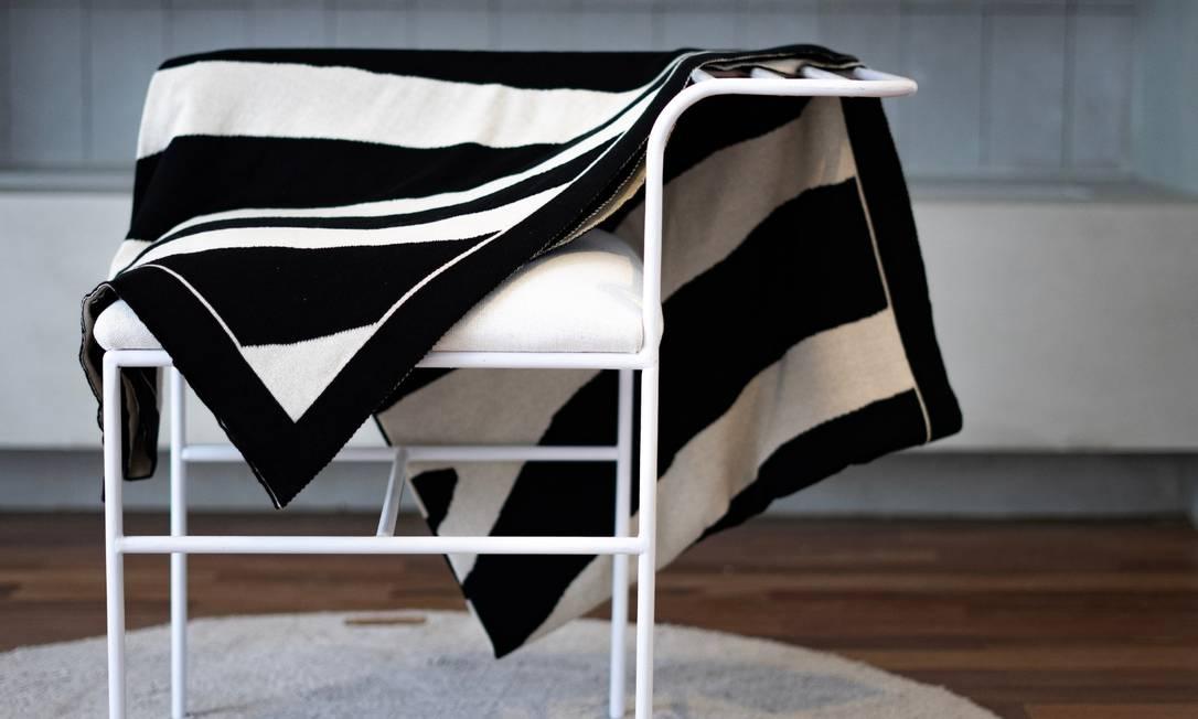 Manta de tricô Paola Muller: R$ 528 (@lolamuller) Foto: Divulgação