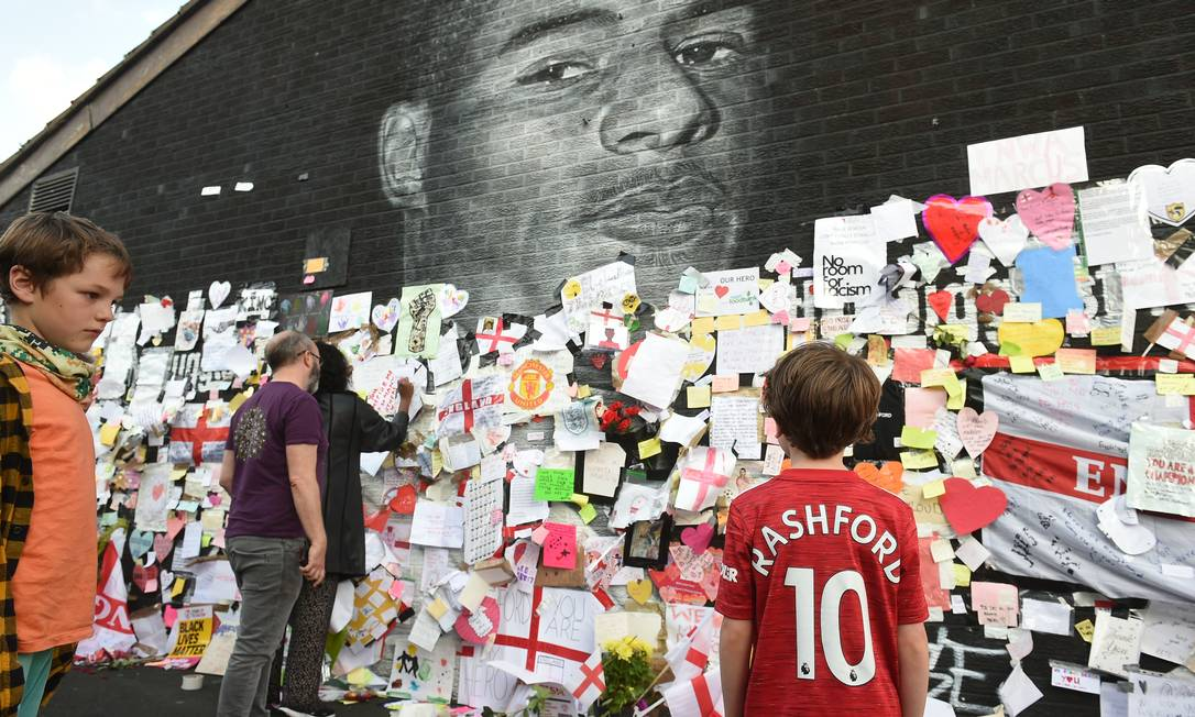 Mural em homenagem a Marcus Rashford em Manchester Foto: PETER POWELL / REUTERS
