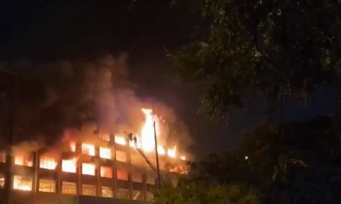 Incêndio em prédio da Secretaria de Segurança Pública no RS Foto: Reprodução