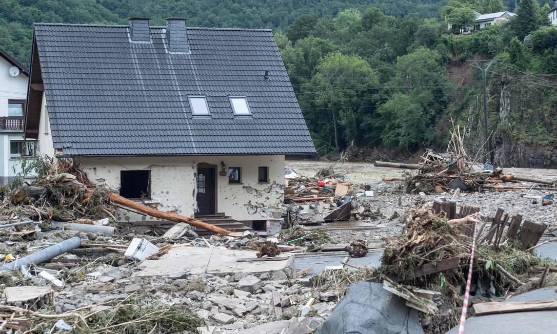 Fortes chuvas devastaram cidades na Alemanha Foto: BERND LAUTER / AFP