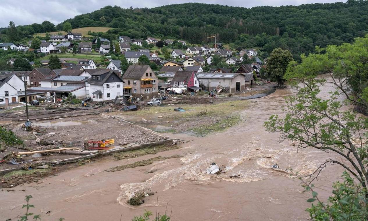 Casas destruídas no vilarejo de Schuld, Alemanha Foto: BERND LAUTER / AFP