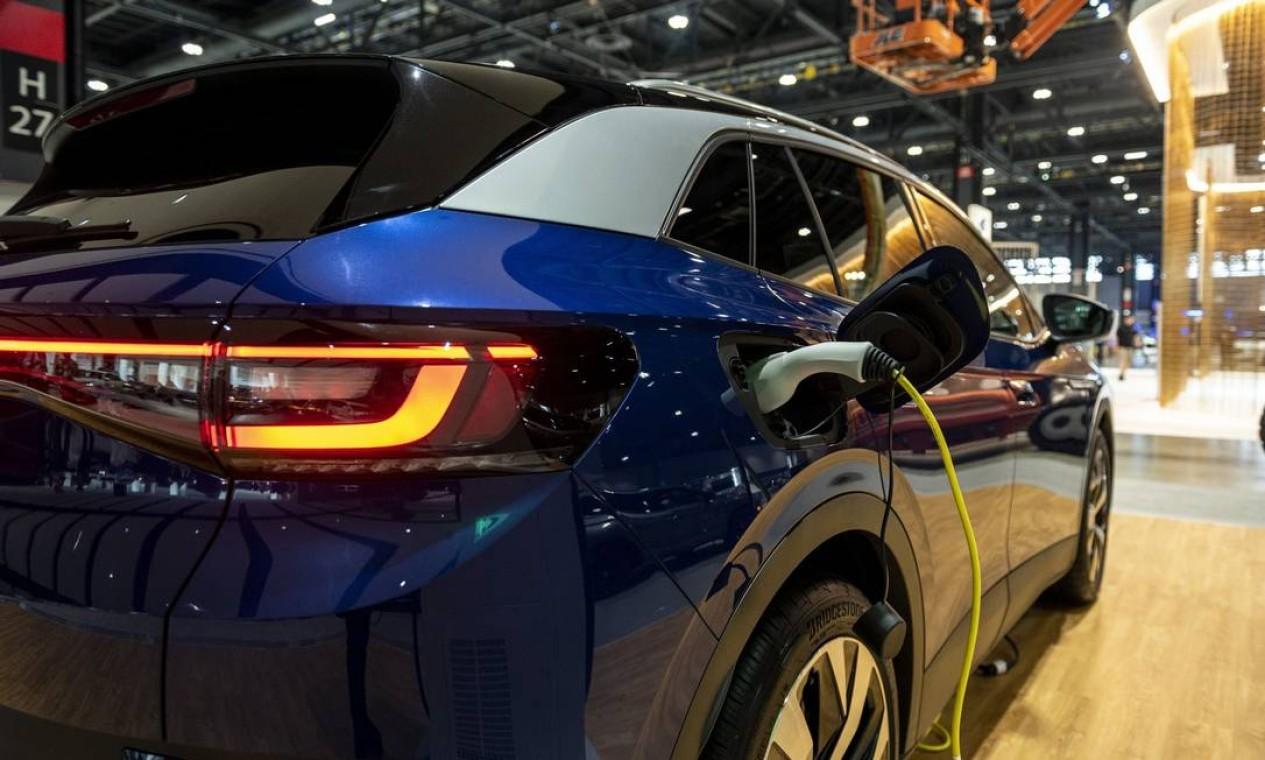 Veículo utilitário esportivo (SUV) elétrico Volkswagen ID4 2022 durante a prévia do Chicago Auto Show em Chicago, Illinois, EUA Foto: Christopher Dilts / Bloomberg