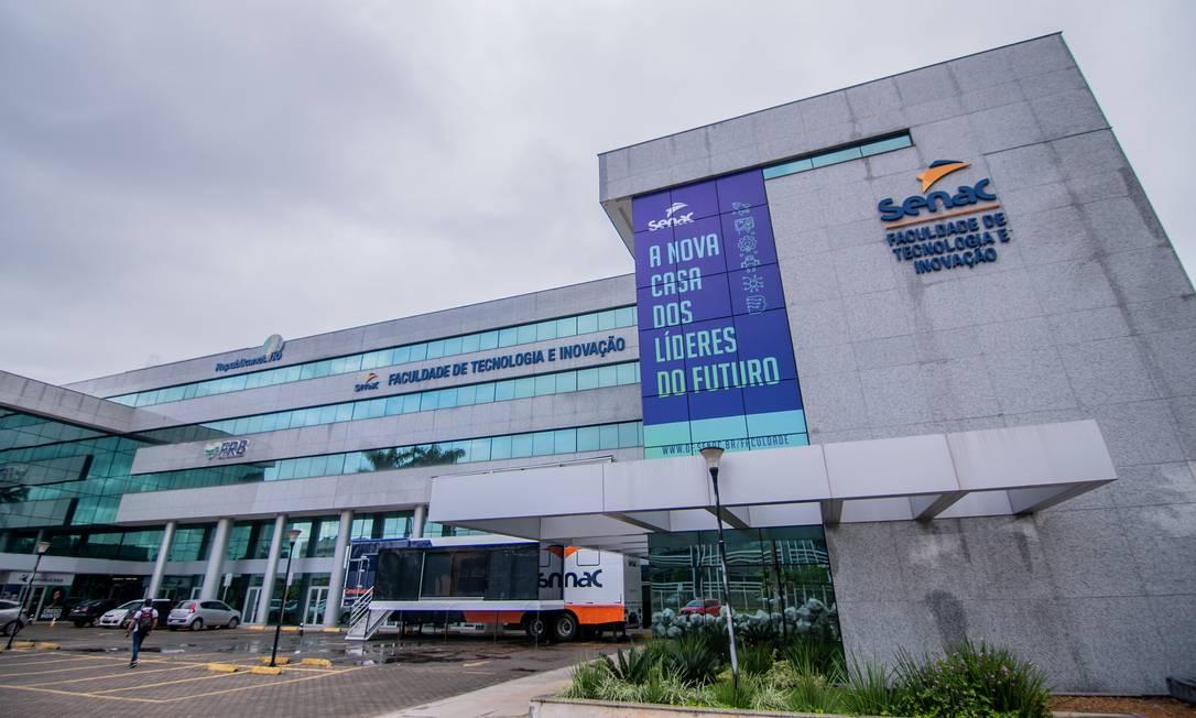 Com os mais modernos equipamentos tecnológicos, o centro de ensino oferece 6 cursos de graduação e 26 de pós-graduação, voltados para Tecnologia e Gestão. Foto: Divulgação