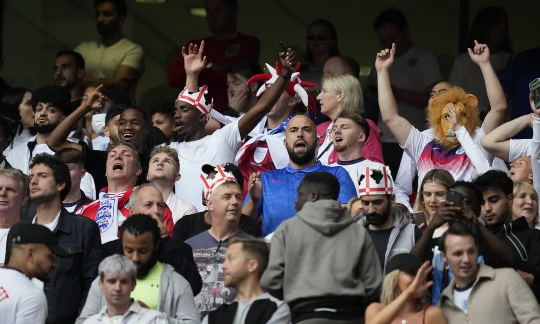 Torcedores ingleses na final da Eurocopa entre Inglaterra e Itália Foto: Frank Augstein/Reuters