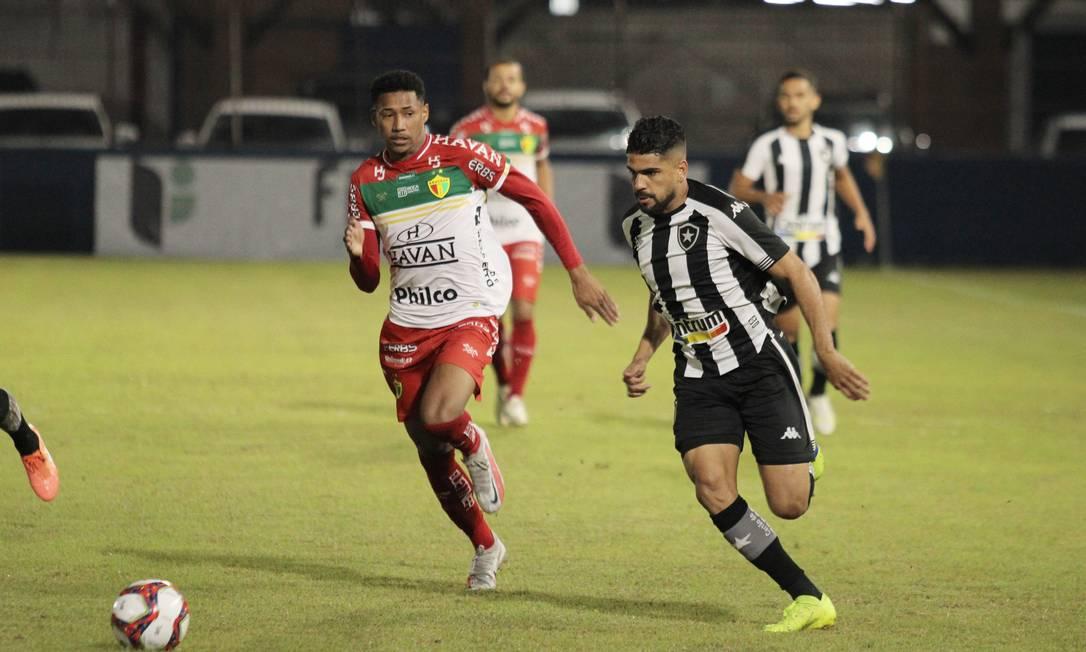 Botafogo perde de virada para o Brusque na série B Foto: Lucas Gabriel Cardoso/Reprodução