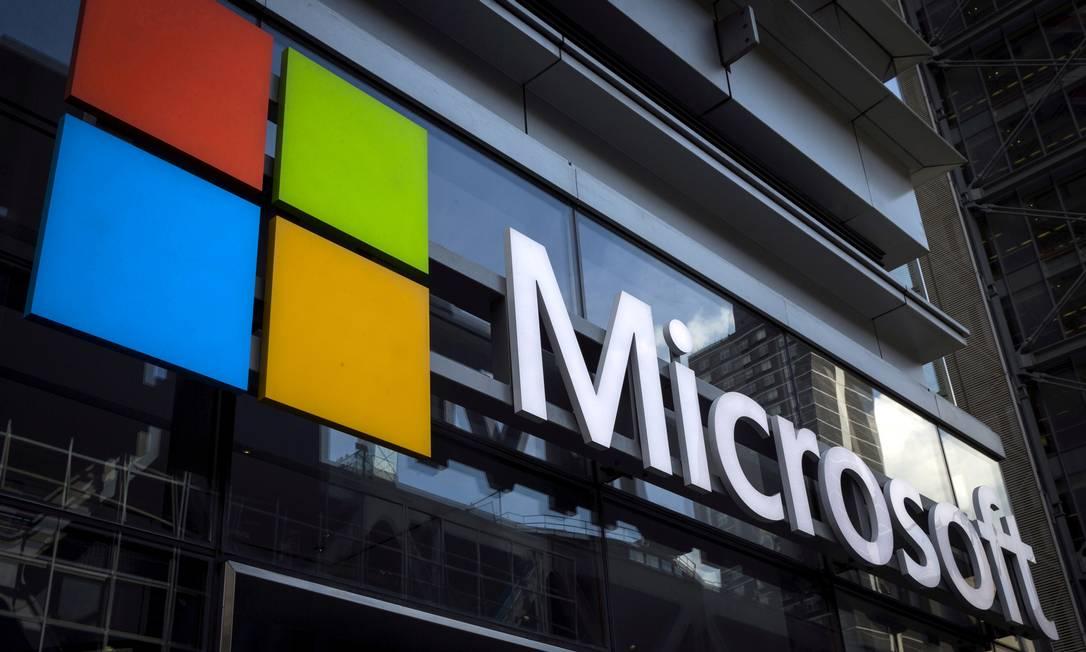 Logo da Microsoft é visto em edifício na cidade de Nova York Foto: Mike Segar / REUTERS/28-07-2015