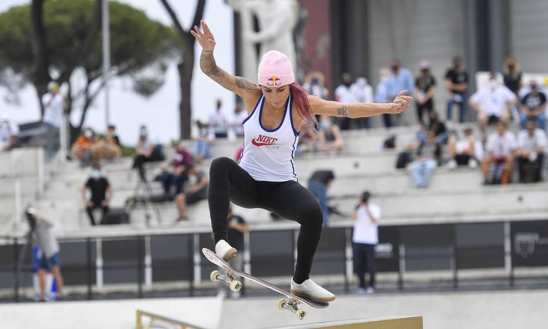 Letícia Bufoni (28) acaba de conquistar o Mundial de Skate Street, em Roma Foto: Dia Esportivo / Agência O Globo
