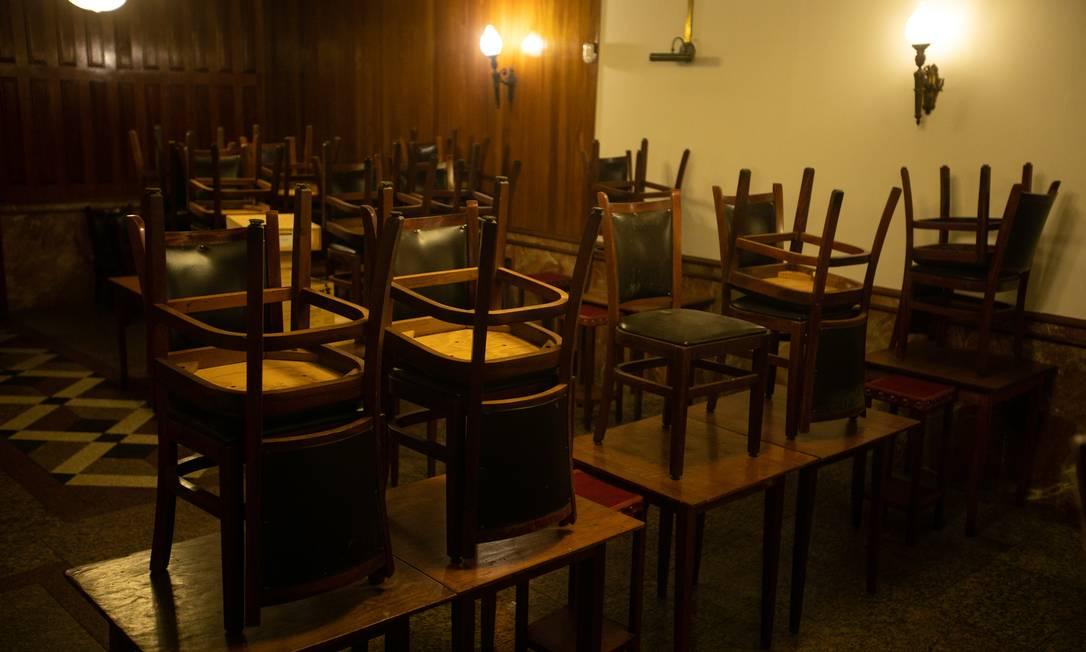 A pesquisa mostra que 56% dos bares e restaurantes operaram no prejuízo em junho Foto: Brenno Carvalho / Agência O Globo