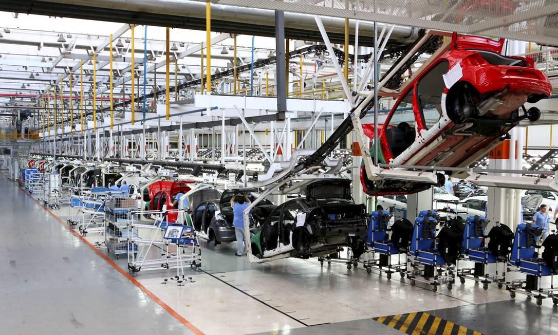 Fábrica da Volskswagen em Taubaté coloca funcionários em férias coletivas por falta de componentes Foto: Renato Frasnelli / Agência O Globo