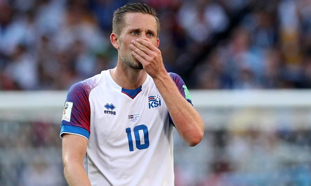 Mídia islandesa diz que Sigurdsson é o jogador investigado pela polícia da Inglaterra Foto: ALBERT GEA / Reuters