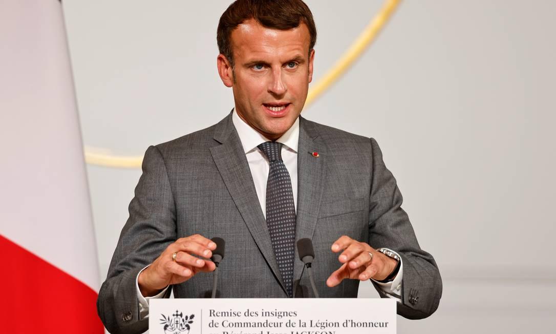 Emmanuel Macron, presidente da França, faz discurso durante cerimônia no Palácio do Eliseu no dia 19 de julho Foto: POOL / REUTERS