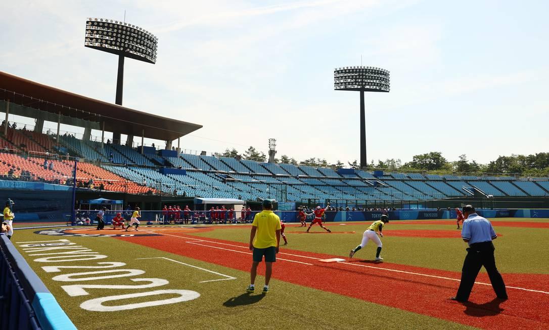 Jogos de Tóquio contou com partida inaugural de softbol Foto: JORGE SILVA / REUTERS