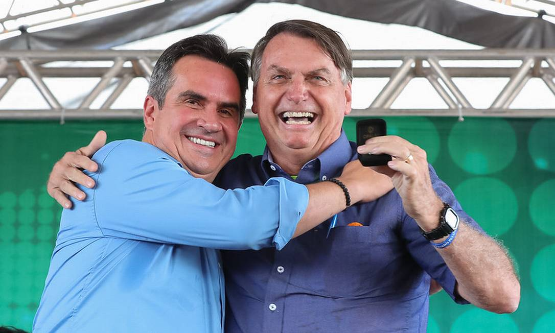 O senador Ciro Nogueira (PP-PI) e o presidente Jair Bolsonaro participam de inauguração de ponte entre Piauí e Maranhão Foto: Isac Nóbrega/Presidência/20-05-2021