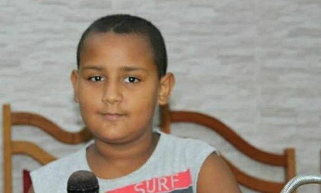 O menino Leônidas morreu após ser atingido por uma bala perdida Foto: Reprodução