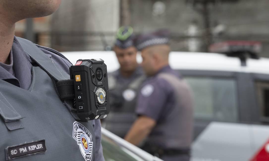 Em São Paulo as câmeras já foram implementadas e derrubaram as mortes em operações Foto: Edilson Dantas / Agência O Globo