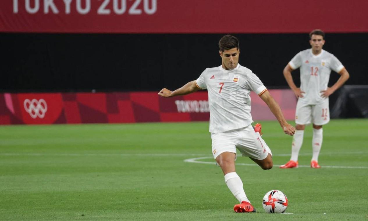 Marco Asensio é o capitão da seleção da Espanha em Tóquio e atualmente defende o Real Madrid Foto: ASANO IKKO / AFP
