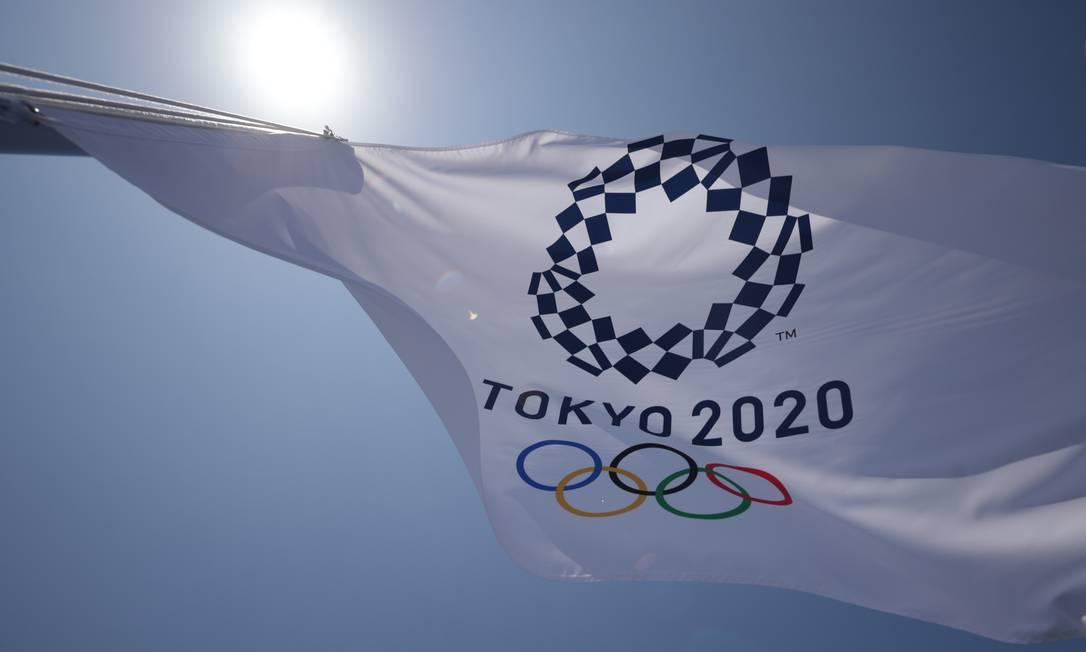 Bandeira dos Jogos Olímpicos de Tóquio Foto: HANNAH MCKAY / REUTERS