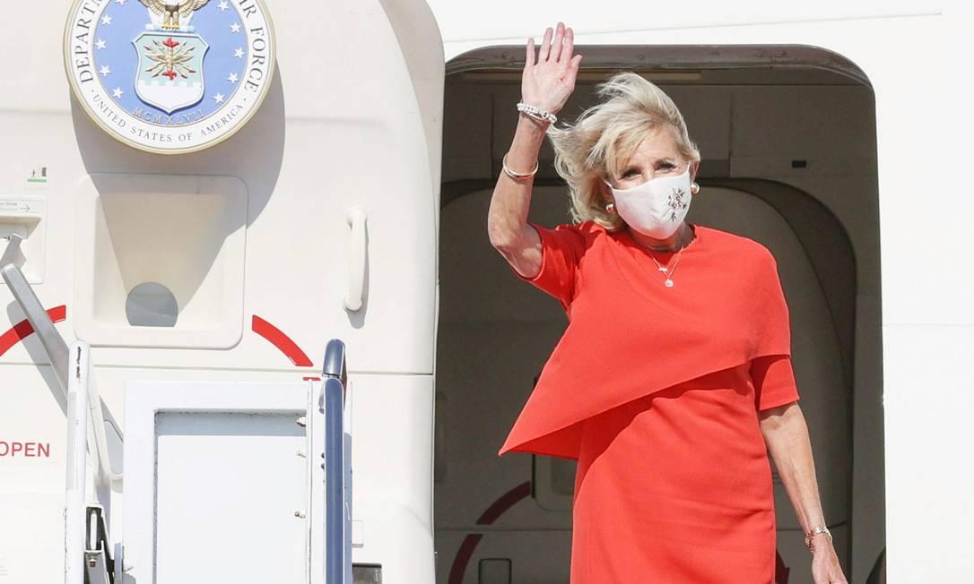 Primeira-dama Jill Biden aterrisando em Tóquio Foto: KYODO / via REUTERS