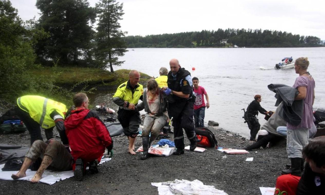 Behring Breivik detonou uma bomba de 950 kg de explosivos e matou 77 pessoas, sendo a a maioria adolescentes. Breivik, fundamentalista cristão, planejava o ataque desde os 23 anos Foto: Svein Gustav Wilhelmsen / AFP