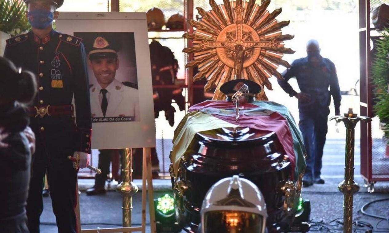 Primeiro-tenente Deroci de Almeida da Costa, de 46 anos Foto: Divulgação