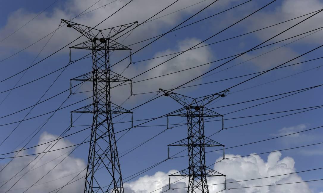 Preços monitorados pressionam inflação em 2021, segundo analistas. Energia elétrica subiu 4,79% no IPCA-15 de julho Foto: Custódio Coimbra / Agência O Globo