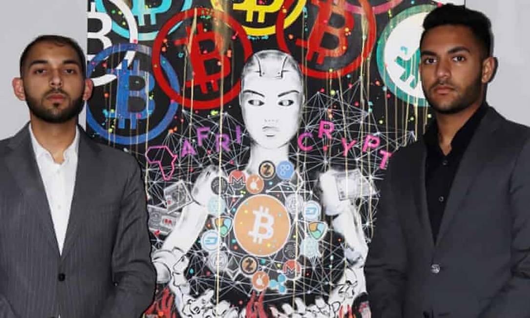 Raees Cajee, de 21 anos, e Ameer Cajee, de 18, são os fundadores da Africrypt, uma plataforma de investimento em criptomoeda Foto: Reprodução
