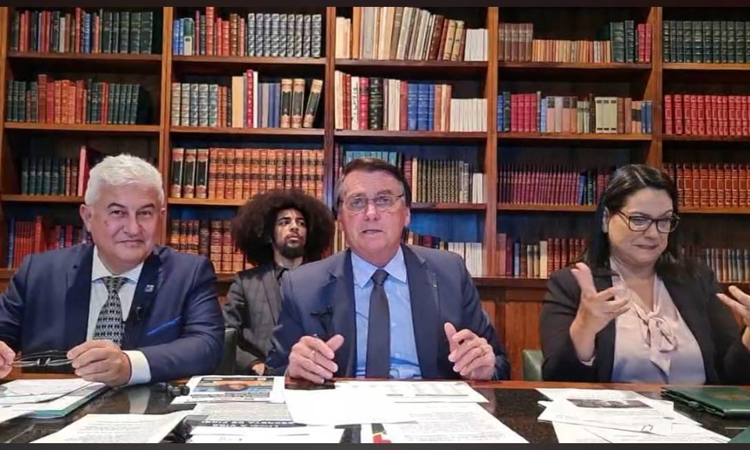 Bolsonaro em live com o missionário Sullivan Foto: Reprodução