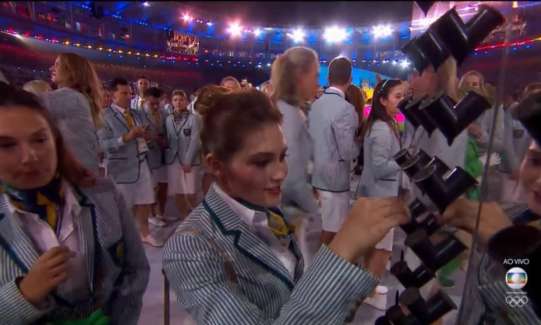 Atletas de todas as delegações plantaram sementes na cerimônia de abertura da Rio 2016. Foto: Reprodução/TV Globo
