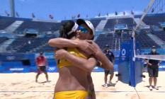 Meninas do vôlei de praia, Ágatha e Duda estreiam com vitória Foto: Reprodução