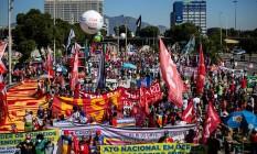 Manifestacao Fora Bolsonaro, na Avenida Presidente Vargas Foto: Hermes de Paula / Agência O Globo