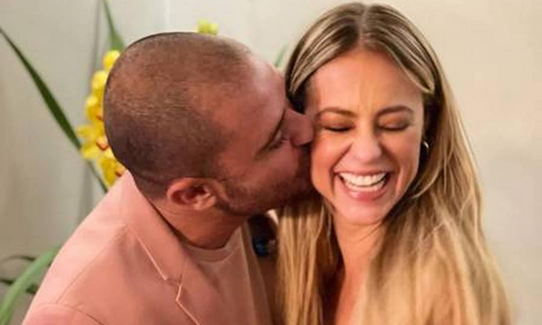 O novo casal Diogo Nogueira e Paolla Oliveira no Vivo Rio Foto: Reprodução