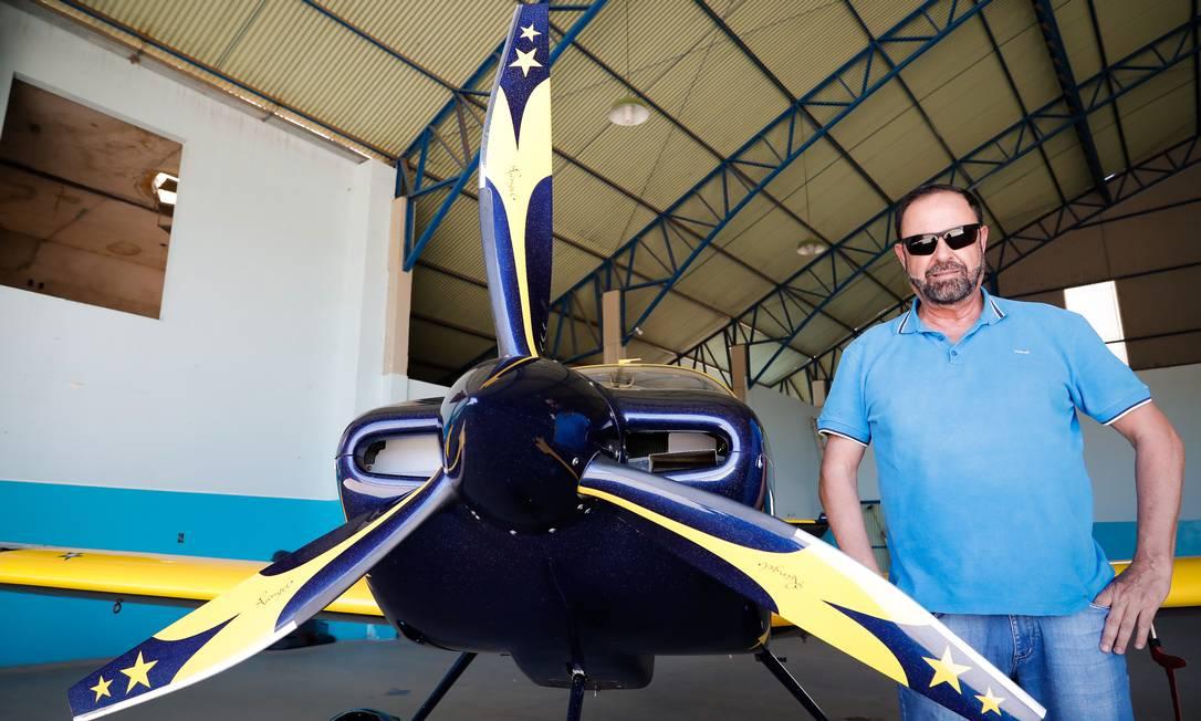 Na foto, Kleber Rebouças Rangel, fundador da Associação Barreirense Aerodesportiva (ABA), no aeródromo de Barreiras Foto: Pablo Jacob / Agência O Globo