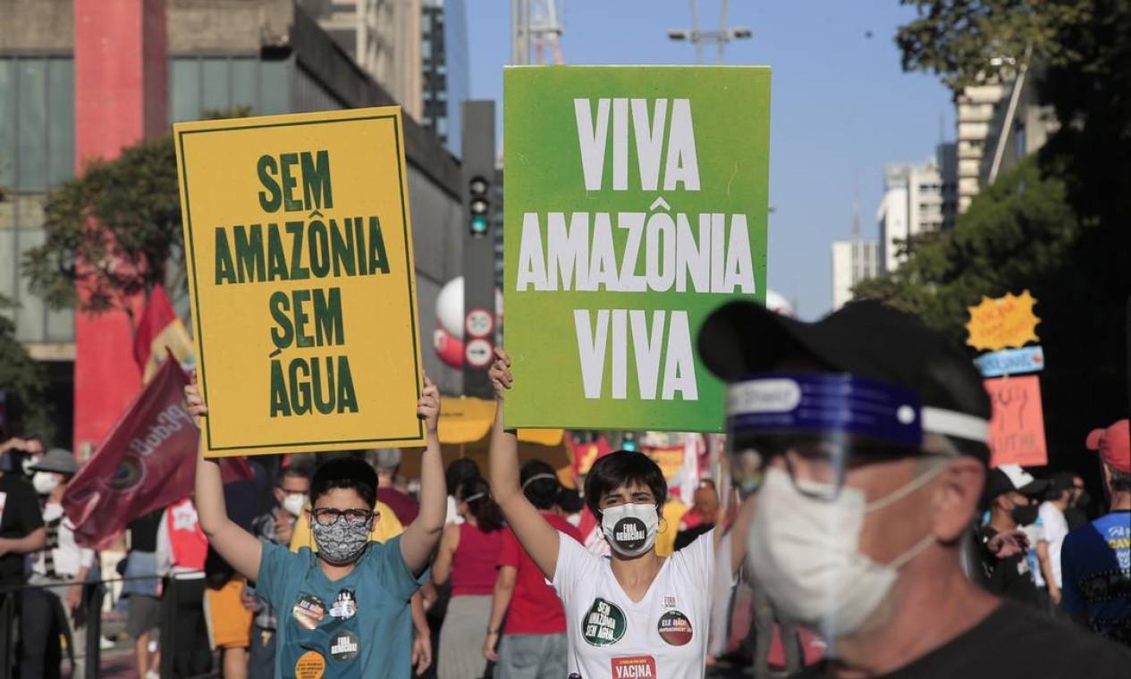 Manifestação contra o presidente Jair Bolsonaro na Avenida Paulista Foto: Edilson Dantas / Edilson Dantas/Agência O Globo