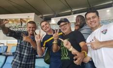 Foto de 2018 publicada por Queiroz em que ele aprace com Bolsonaro, o deputado federal Helio Lopes (PSL-RJ), Max de Moura, assessor especial do presidente, e Fernando Nascimento Pessoa, assessor de Flávio Foto: Reprodução