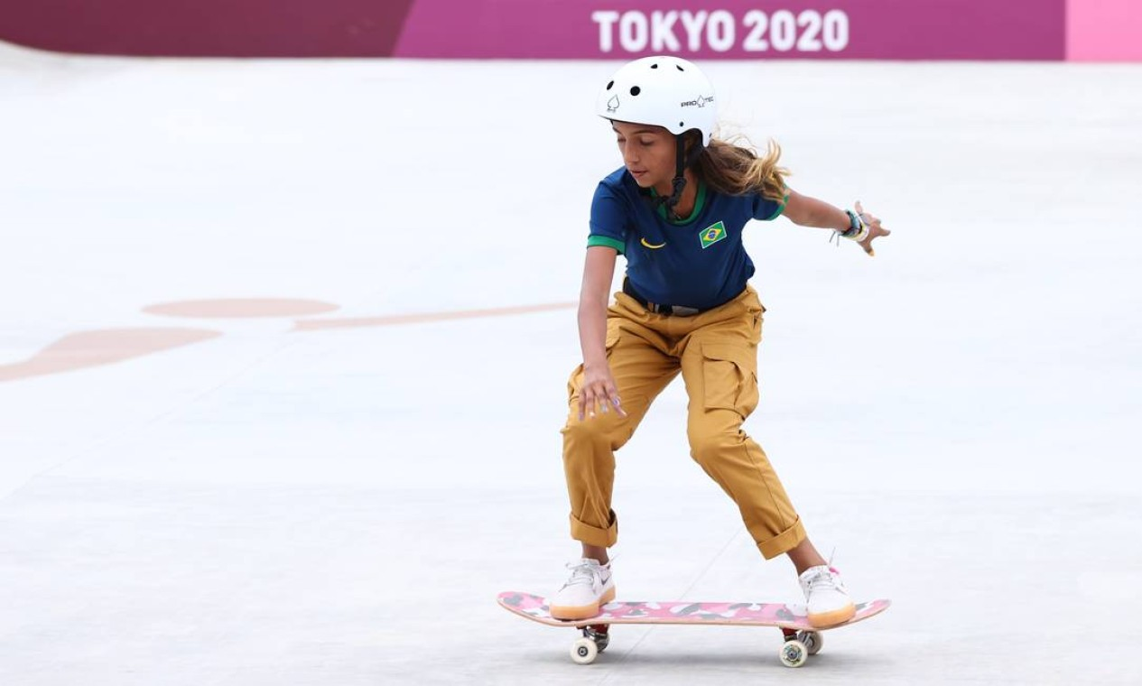 Rayssa Leal, durante a competição de skate street nos Jogos Olímpicos de Tóquio; ela foi prata Foto: LUCY NICHOLSON / REUTERS