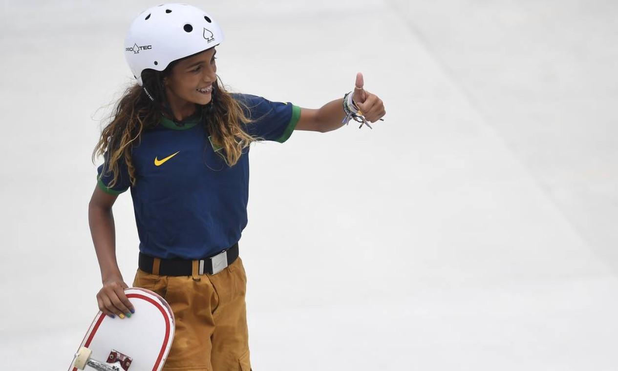 """1ª - RayssaLeal """"Fadinha"""" (skate), prata em 2021 aos 13 anos, 7 meses e 22 dias. Foto: TOBY MELVILLE / REUTERS"""